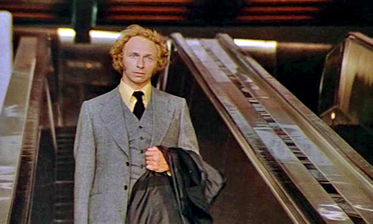 Gerät zwischen die Fronten: Pierre Richard als großer Blonder mit dem schwarzen Schuh