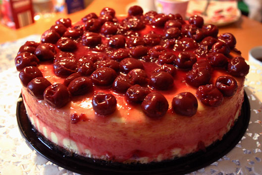 New York Cheesecake mit Cherry-Topping