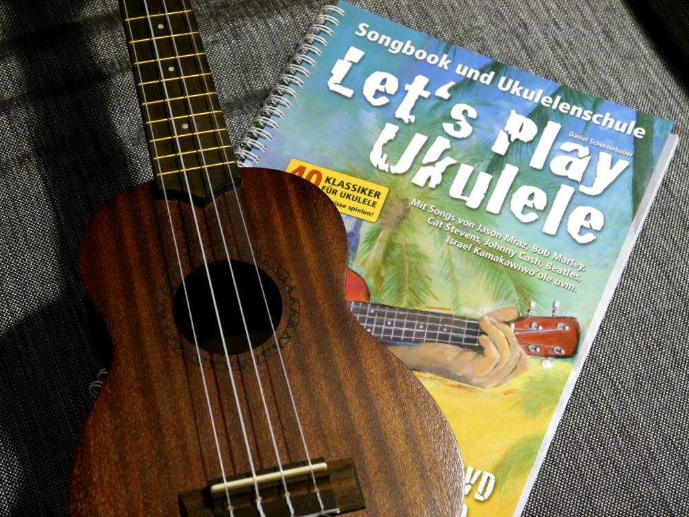 Buchtipp zum Ukulele Lernen: Let's Play Ukulele