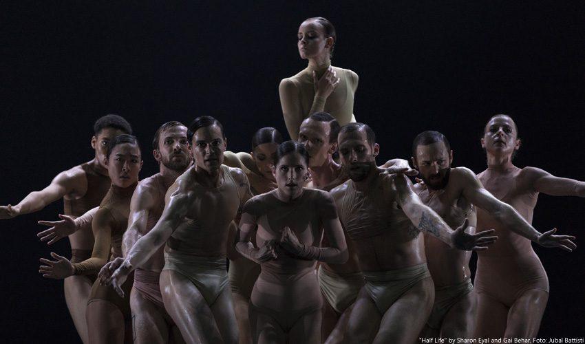 Pure Energie: Ballettabend Celis | Eyal in der Komischen Oper Berlin