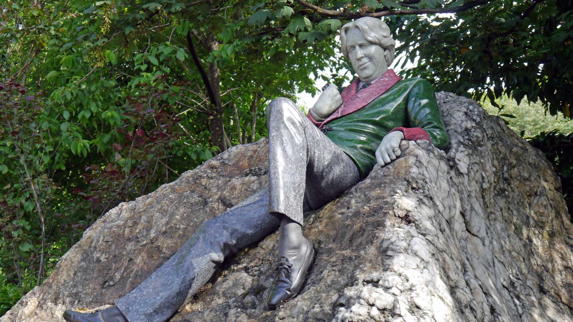 Dem charismatischen Dandy Oscar Wilde wurde in seiner Heimatstadt Dublin ein Denkmal gesetzt.