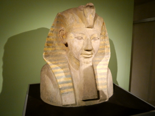 Pharaonin Hatschepsut mit Bart