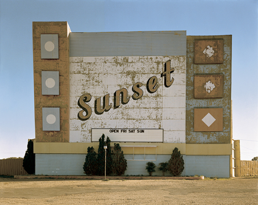 Stephen Shore, West Ninth Avenue, Amarillo, Texas, October 2, 1974 / © Stephen Shore