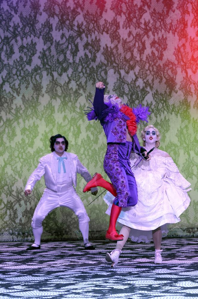 Frauenverführer Don Giovanni in der Komischen Oper Berlin / Foto: © Monika Rittershaus