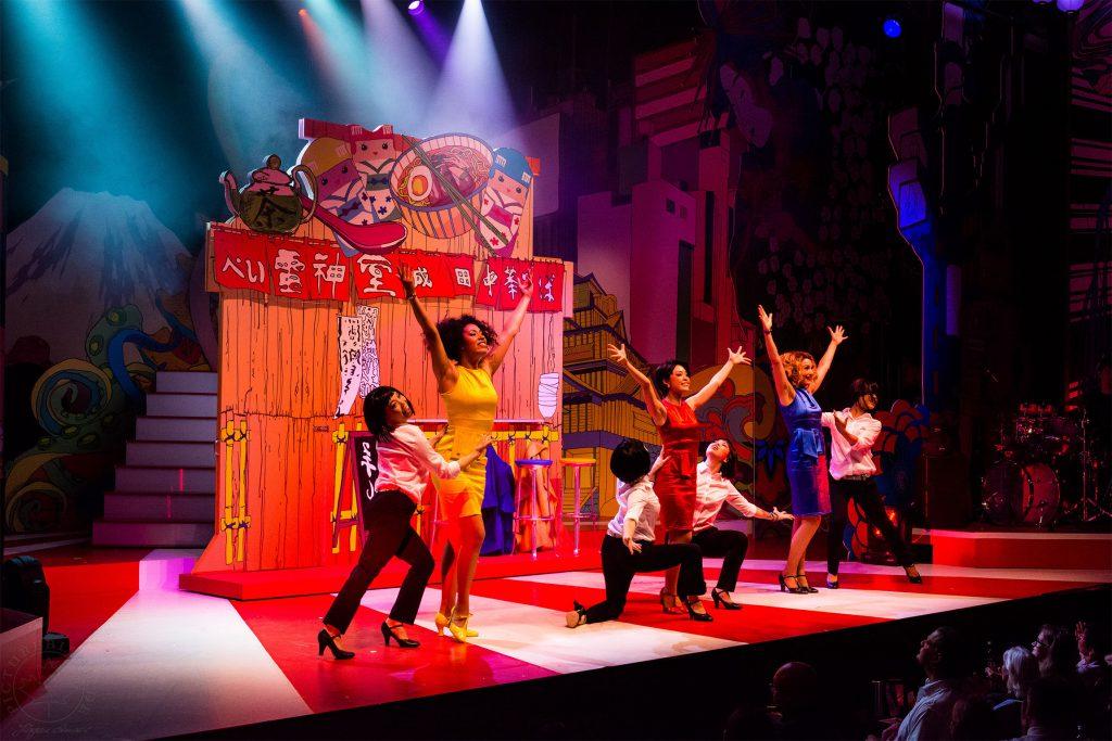 Bunte Tanz- und Gesangseinlagen: Sayonara Tokyo / © Jürgen Sendel, Wintergarten