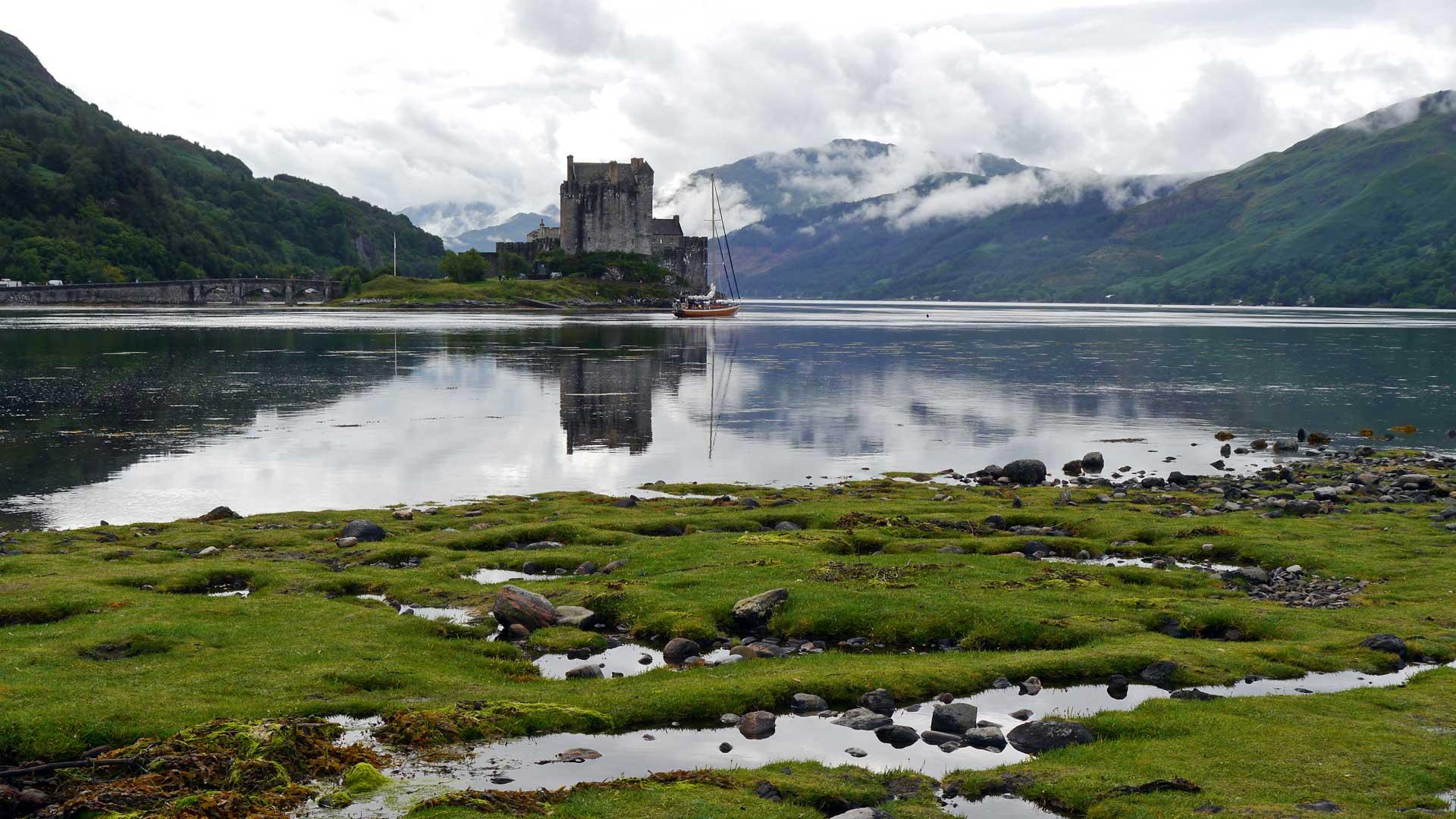 Das verwunschene Eilean Donan Castle kurz vor der Insel Skye. (Foto: Sommerdiebe.de)