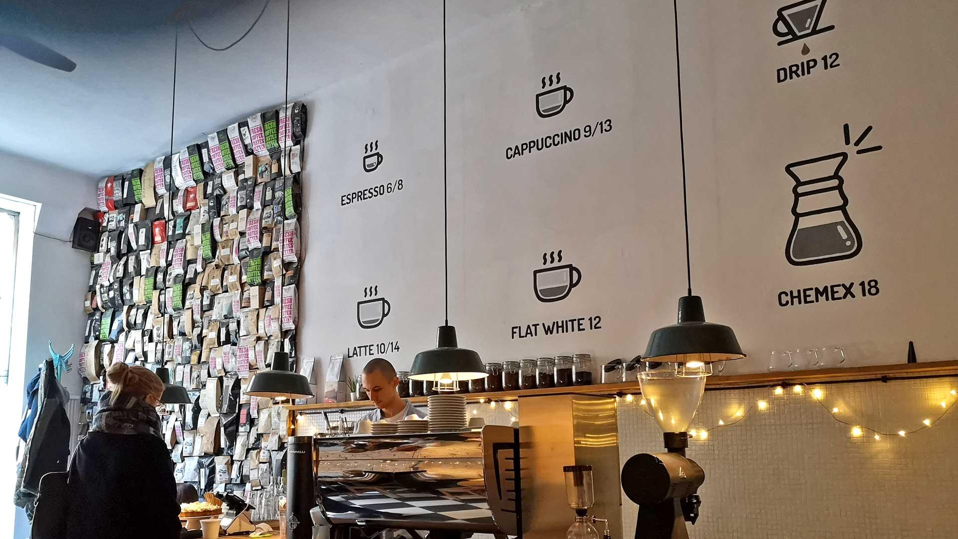 Wie magst du deinen Kaffee am liebsten? Im Stragan Kawiarnia gibt es viele Möglichkeiten, Kaffee zu trinken.