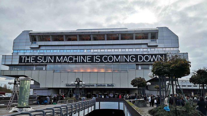 """Kunst im ICC: Im Rahmen des Festivals """"The Sun Machine Is Coming Down"""" wurde das ICC als Kunstort wiederbelebt."""